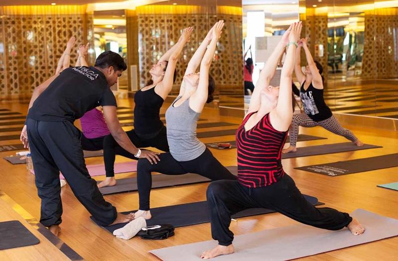 Kinh doanh gì 2018 phòng tập yoga