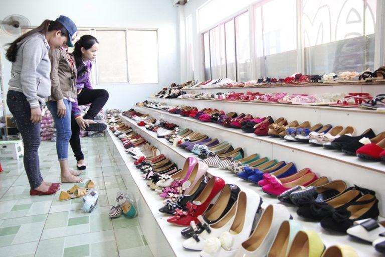 Nguồn hàng giày dép sỉ chất lượng cho các shop kinh doanh online