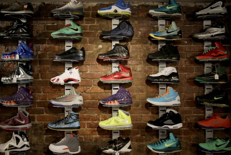 Lập kế hoạch kinh doanh giày dép khi mở cửa hàng giày dép (P1)