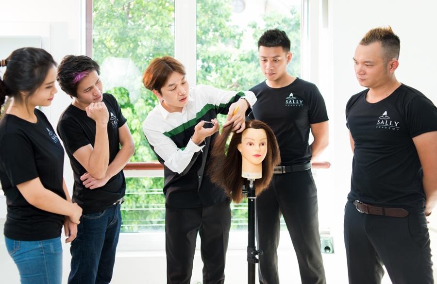 Mở tiệm cắt tóc cần bao nhiêu vốn để hiệu quả