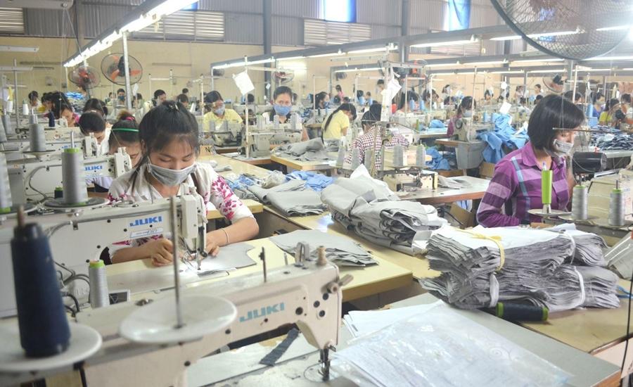 Dự toán chi phí mở shop quần áo cho dân kinh doanh