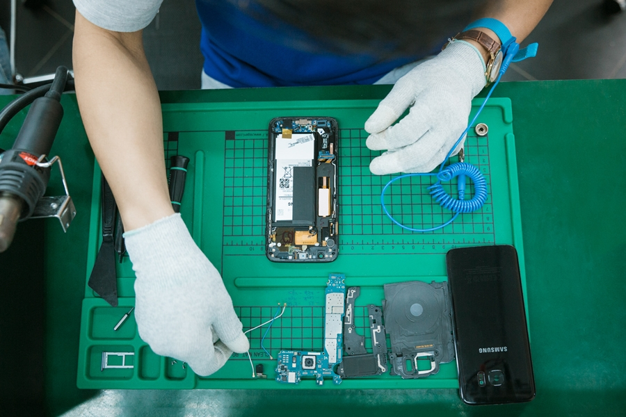 Kinh nghiệm kinh doanh linh kiện điện thoại gặt hái lợi nhuận lớn