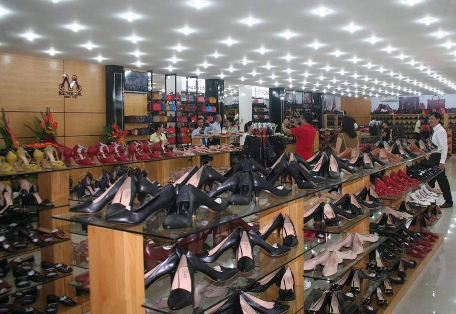Kinh nghiệm mở shop giày dép thành công